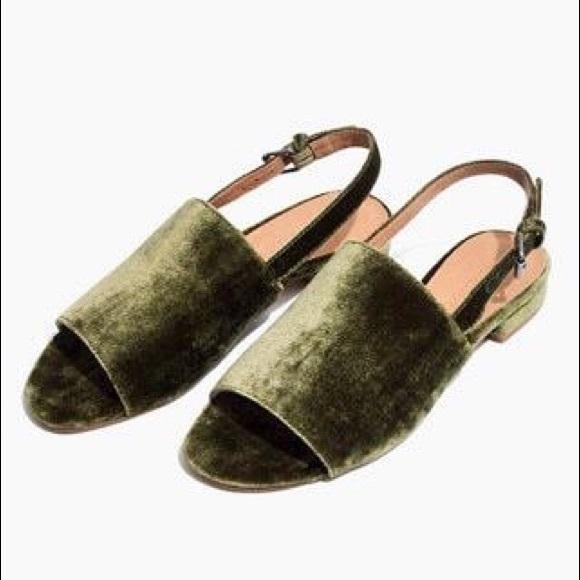 45022bff317  Madewell  Noelle Velvet Slingback Sandal in Green